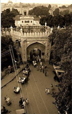 Lahore Hindu Mandir, Ancient Indian History, History Of Pakistan, Karachi Pakistan, Vintage India, Amritsar, Historical Architecture, Historical Pictures, Travel List
