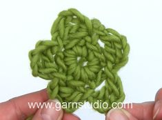 DROPS Crocheting Tutorial: How to work a little flower.