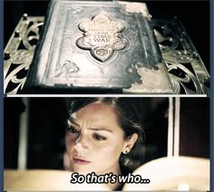 How can Clara read Gallifreyan? Bbc Doctor Who, Eleventh Doctor, Doctor Who Companions, Clara Oswald, And So It Begins, Hello Sweetie, Don't Blink, Torchwood, Geronimo