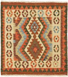 """Kilim Herat. Alfombra Kilim Herat. Kilim Herat. Kilim anudado a mano con lana autóctona por las tribus """"turkemanas"""" en el norte de Afganistán. Los diseños utilizados son bellas estilizaciones de formas tradicionales como el """"boteh"""", octogonos, rombos engarzados... Tapete Floral, Kilims, Lana, Bohemian Rug, Rugs, Home Decor, Kilim Rugs, Textile Patterns, Norte"""