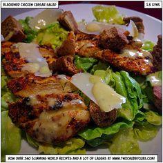 No, the salad itself isn't blackened, but this blackened chicken caesar salad mixes spice-rubbed chicken with simple ingredients! Enjoy it! Chicken Rub, Chicken Steak, Grilled Chicken, Healthy Eating Recipes, Cooking Recipes, Healthy Meals, Healthy Food, Sizzler Recipes, Caesars Salad