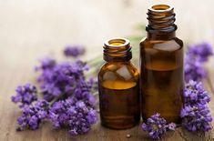 肌の乾燥予防と安眠効果がある手作りラベンダーオイルの作り方です。いろいろあるハーブの中でもラベンダーは特に人気のあるハーブ。使いやすく、効果も高く、そして気持ちを癒してくれるあの香りが一番の魅力なのかも知れませんね。