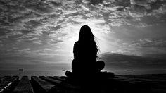 'duyarsın derinlerde bir yerlerde insanın insana  bölünmesidir yalnızlık..