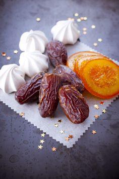 accompagnez vos petit #dejeuner avec ces délicieuses #meringue et ses #date et rondelles d' #agrume  www.marielys-lorthios.com/news/photos-pour-noel/