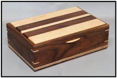 Walnut & Birdseye Maple Tea Box par MajesticeagleWW sur Etsy