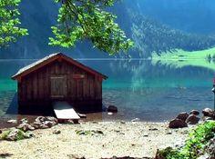 Después de la parada en la Iglesia de San Bartolomé (Alemania), podemos continuar hasta el final del Lago Königssee. En esta última parada y si caminamos unos 12 minutos llegaremos a uno de los lugares más paradisiacos de Alemania: el Lago Obersee.
