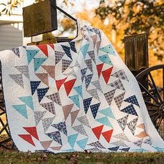 This blog features finished quilts, tutorials, tips, and patterns for making quilts and other sewing projects.