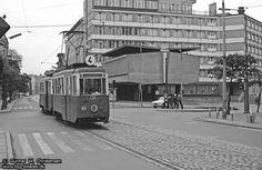 Skrzyżowanie ulic Dworcowej i Królowej Jadwigi   26 maja 1974 roku.   Archiwum Gunnara W. Christensena    Bydgoszcz w obiektywie Duńczyka na naszym blogu http://tnij.org/d9b1jua