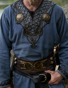 This is a writers' resource site listing major events during the middle ages and then RenaissanceThis is a writers' resource site listing major events during the middle ages and then Renaissance FOR VIKINGS Costume Viking, Viking Garb, Medieval Costume, Medieval Dress, Viking Tunic, Medieval Fashion, Medieval Outfits, Viking Cosplay, Viking Dress