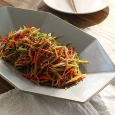 Asian Recipes, Healthy Recipes, Ethnic Recipes, Healthy Food, Red Chili, Korean Food, Japchae, Meals, Dishes