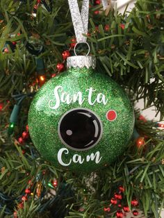 Santa Cam Ornament Santa Spy Camera Christmas by BallyandLis (Diy Ornaments Vinyl) Homemade Christmas, Diy Christmas Gifts, Christmas Projects, Holiday Crafts, Holiday Fun, Christmas Crafts, Christmas Ideas, Christmas Glitter, Christmas Balls