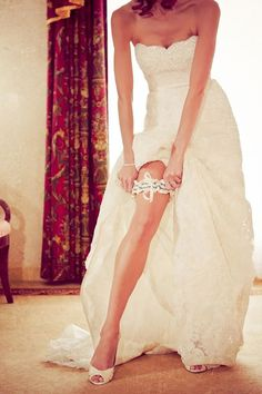 sexy wedding pictures wearing the garter