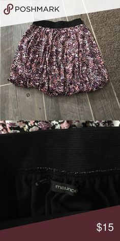 Floral skirt size small Maurice's Size small floral skirt Maurice's brand worn once in great condition Maurices Skirts