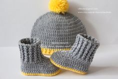 Crochet baby booties and hat set, shoes, boots, socks, beanie, gray, grey, yellow, pom pom, photo prop, 0-3 months, gift, baby shower