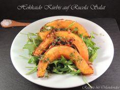 Hokkaido Kürbis auf Rucola Salat - Vegetarische Mahlzeit . Zu finden bei Rezepte Orlandosidee