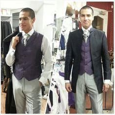 Modellprovning. Elegant svart frockcoat i siden med lila väst, byxor och plastrong i silver. Till bröllop eller fest.  Stylish black long jacket with purple waistcoat, trousers and rouched tie in silver.  Ready for wedding or party.  #bröllopskläder #bröllopsmode #bröllop #fest #brudgumskläder #herrkläder #herrväst #svart #frockcoat #bestman #festkläder #bridegroom #waistcoat #purple #black #groom #wedding #model #modell