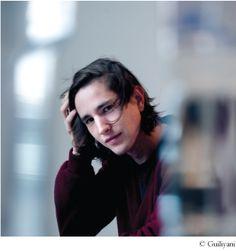 Martijn Simons (1985) studeerde Nederlandse taal en cultuur. Hij debuteerde eind 2009 met het korte verhaal 'De cavia' in De Gids. In 2010 v...