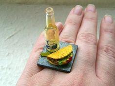 Miniaturas de comida sobre anillos - Friki.net