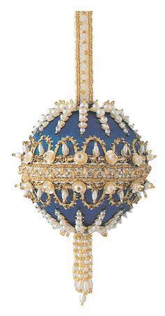 This image shows experimental bodice inspiration through the curved and smooth lines and shapes and the influences for decorative techniques through the highly beaded and dramatic metallic colours. Retro Christmas Decorations, Victorian Christmas Ornaments, Christmas Snowflakes, Christmas Baubles, Sequin Ornaments, Beaded Ornament Covers, Diy Christmas Ornaments, Handmade Christmas, Ball Ornaments