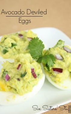 Egg Muffins make the perfect healthy on-the-go breakfast- load with as many vegetables as you like! These Scrambled Egg Breakfast Muffins are a MUST HAVE! Easy Casserole Recipes, Muffin Recipes, Egg Recipes, Brunch Recipes, Cooking Recipes, Appetizer Recipes, Breakfast Muffins, Breakfast Slider, Breakfast Sandwiches
