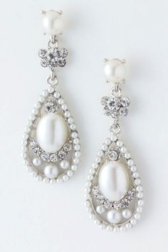 Beautiful Pearl Dangle Crystal Earrings