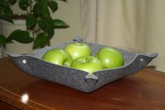 dy bowl/catchall is made from my 5MM thick, 100% Virgin Merino Wool Felt from Germany. Pl