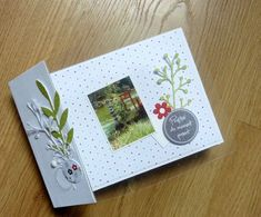 "Val49 : mini-album ""Profiter du moment présent"" Album Photo Scrapbooking, Mini Scrapbook Albums, Diy Scrapbook, Mini Album Scrap, Presents, Moment, Voici, Inspiration, Comme"
