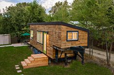 Tiny House Square Feet) built by Architect Macy Miller. Tiny House Square Feet) built by Architect Macy Miller. Tiny House Swoon, Tiny House Living, Tiny House Plans, Tiny House Design, Tiny House On Wheels, Living Room, Tiny House Family, Living Area, Miller Homes