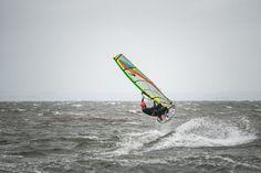 Windsurfer at Gullane Surfing Tips, Sup Surf, Water Photography, Windsurfing, Big Challenge, Big Waves, Golden Gate Bridge, Paddle, Surfboard