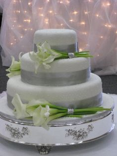 Elegant Cala Lilies Cake