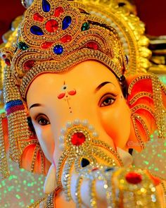 Make this Ganesha Chathurthi 2020 special with rituals and ceremonies. Lord Ganesha is a powerful god that removes Hurdles, grants Wealth, Knowledge & Wisdom. Jai Ganesh, Ganesh Lord, Ganesh Idol, Shree Ganesh, Ganesha Art, Lord Durga, Baby Ganesha, Krishna Hindu, Lord Vishnu