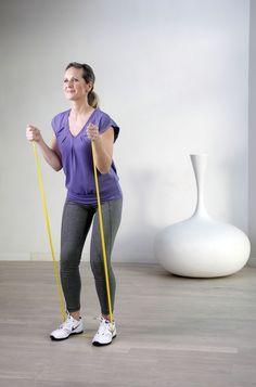 Zehn Minuten täglichMit diesen einfachen Theraband Übungen trainieren Sie den ganzen Körper - und zwar in kurzer Zeit besonders effektiv.