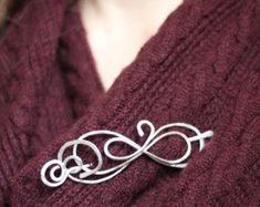 In your own words shawl pin or sweater clip custom Beneficios Aloe Vera, Chunky Knitwear, Handwriting Styles, Personalized Gifts For Her, Beautiful Figure, Hair Slide, Silver Brooch, Stocking Fillers, Jewelry Art