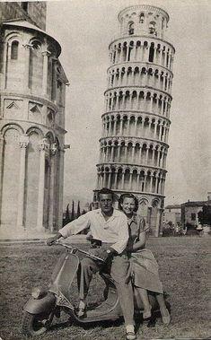 Vintage Motorcycles Riding a Vintage Italian Vespa - Pisa Italy, Circa Vintage Vespa, Vintage Abbildungen, Photo Vintage, Vintage Italy, Vintage Chanel, Vintage Bikes, Vintage Industrial, Industrial Style, Vintage Clocks