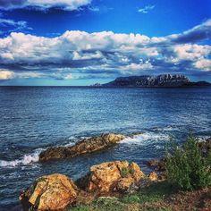 Toh! Chi si rivede.  #sardegna #sea #seaview #landscape #yallersitalia #tourism #autumn #october #tavolara #nature #mothernature #amazing #clouds #cloudporn #italy #outofseason #mare #myland #sardinia #sardinien #island