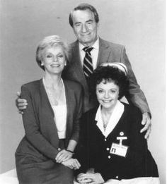 Audrey & Steve Hardy with Nurse Jessie Brewer - General Hospital Soap Opera Stars, Soap Stars, Saunas, Tango, Luke And Laura, Hospital Pictures, Medical Drama, Vintage Medical, Guinness World