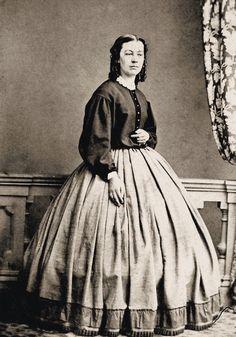 A Garibaldi shirt and skirt, ca. 1860 http://i.ebayimg.com/t/4-Prints-Civil-War-Photos-Ladies-in-Skirts-and-Blouses-/00/s/ODk3WDYyOA==/$T2eC16hHJGQE9noMcS5eBQ3hgIOZOg~~60_57.JPG
