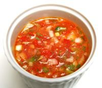 Pebre is a spicy chile pepper condiment to accompany Chilean food. This basic recipe includes chili peppers, onions, garlic, and cilantro. Picante Recipe, Aji Sauce, Colombian Food, Colombian Salsa Recipe, Colombian Recipes, Chilean Recipes, Chilean Food, Salsa Salsa, Salsa Roja