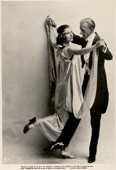 Publicity still of Vernon and Irene Castle 1912-1915//