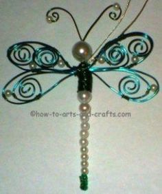 Kids love to make dragonfly crafts. You'll find many project ideas and some facts about dragonflies in this article, Best Dragonfly Crafts Ideas. You'll find pictures to craft sites with tutorials. Wire Wrapped Jewelry, Wire Jewelry, Beaded Jewelry, Jewelery, Handmade Jewelry, Wire Necklace, Necklaces, Beaded Dragonfly, Dragonfly Jewelry