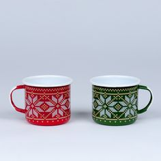 RED AND GREEN CHRISTMAS MUGS - Emalco Enamelware