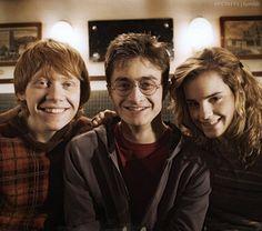 The Harry Potter Trio Harry James Potter, Saga Harry Potter, Mundo Harry Potter, Harry Potter Pictures, Harry Potter Universal, Harry Potter Characters, Harry Potter World, Hermione Granger, Harry Ron Hermione