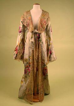 1900s Floral Lamé Dressing Gown