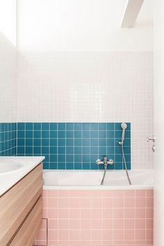 〚 Stylish design of small apartments in Paris by Batiik Studio 〛 ◾ Photos ◾Ideas◾ Design Minimalist Bathroom, Modern Bathroom, Small Bathroom, Pastel Interior, Bathroom Design Inspiration, Design Ideas, Tiny Apartments, Family Bathroom, Small Space Living