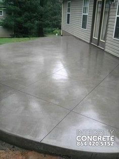 Grauer Betonpatio mit Rautenmuster – traditionell – Patio – Charlotte – Integrity Concrete, LLC Best Picture For porch patio For Your Taste You are looking for something, and it is Read Colored Concrete Patio, Concrete Patio Designs, Cement Patio, Concrete Driveways, Stained Concrete Patios, Concrete Floors, Concrete Patio Extension Ideas, Curved Patio, Concrete Texture