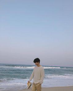 """Mi piace"": 120.1 mila, commenti: 2,331 - 차학연 (@achahakyeon) su Instagram: ""오늘의 기록_20180310 즐거웠던 여행 #바다"""