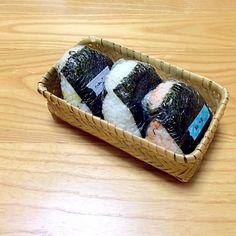 ツナマヨ たくあん&塩昆布 鮭&大葉 - 17件のもぐもぐ - おにぎり by noriponhiropon