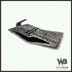 Inside of phyton wallet.  Www.jualtaskulit.com +6285642717764  #wallet #leatherctaft #leatherwallet #menwallet #womenbag #womensfashion #men #dompetpria