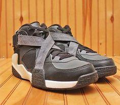 2013 Nike Air Raid Size 10 - Black Flint Grey White - 642330 002