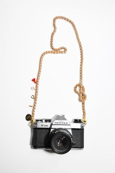 Pretty Connected x Sunday Forever Everything Chain Pc Shop, Camera Straps, Good Vibes, Chain, Gifts, Sunday, Essentials, Pretty, Presents